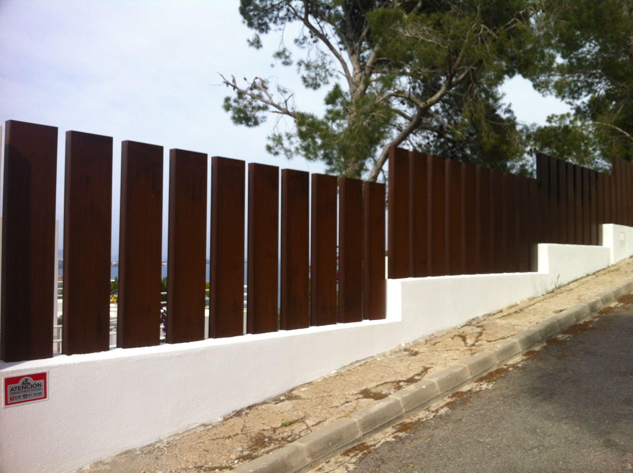 Vallados y barandillas en acero corten automatismos balaguer - Vallas exteriores para casas ...